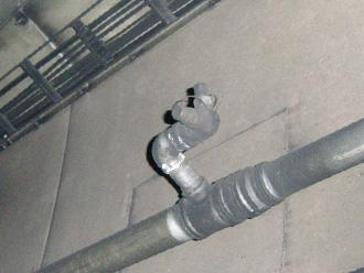 画像:放水試験装置取り付け前
