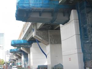2ブロック鋼製3橋脚工事中
