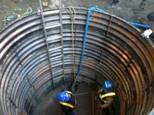 9ブロック マンホール施工人孔ライナープレート設置