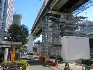 4ブロック 鋼製橋脚梁部架設足場設置