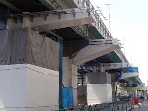 3ブロック 鋼管集成橋脚梁架設