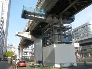 4ブロック 鋼管集成橋脚梁架設